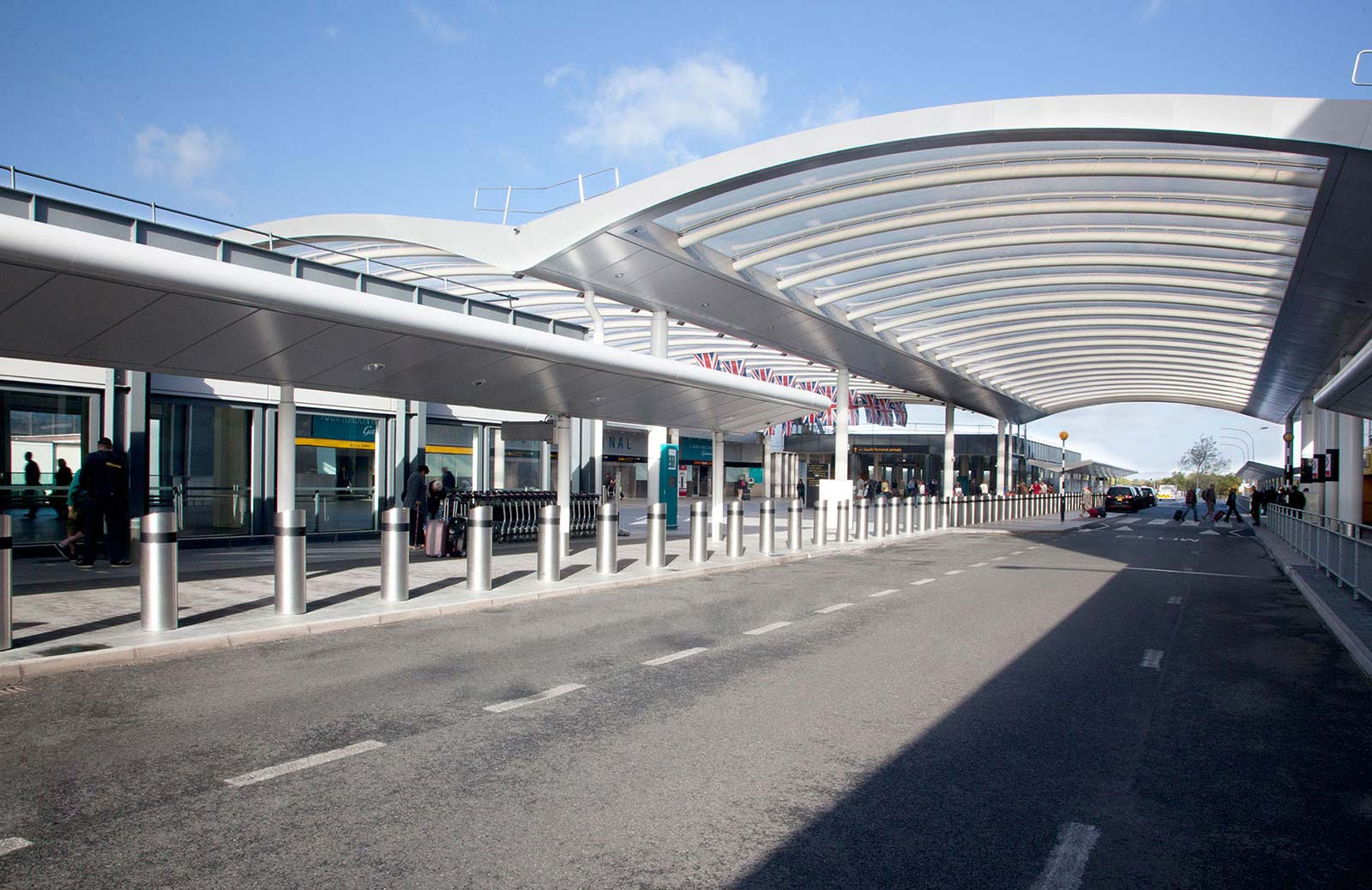 gatwick airport canopy outside
